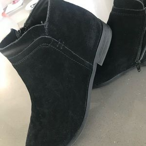 STEVE MADDEN RIMA Suede Black Leather Ankle Bootie